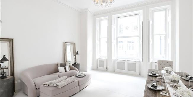 Asking Price £945,000, Flat For Sale in London, SW7
