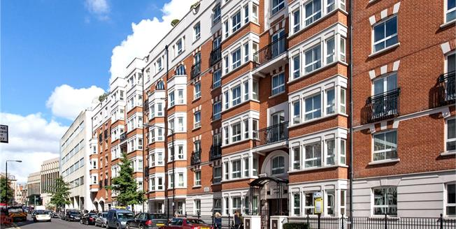 Asking Price £2,425,000, 3 Bedroom Flat For Sale in London, W8