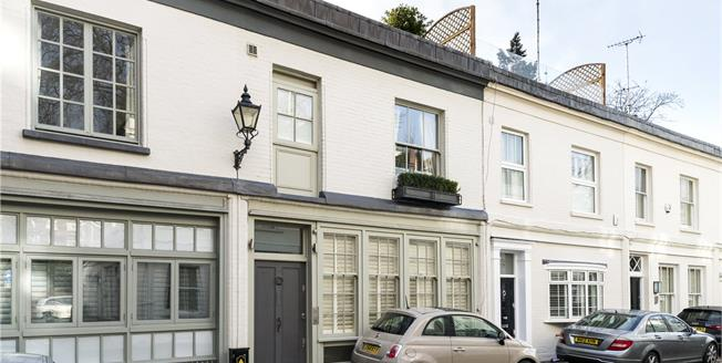 Asking Price £2,650,000, 4 Bedroom Mews House For Sale in London, W8