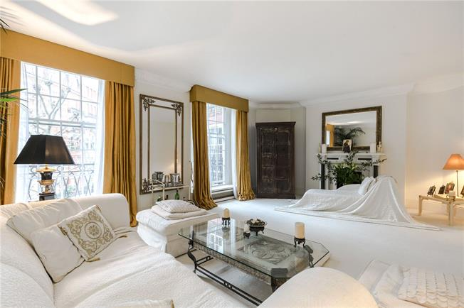 Asking Price £1,950,000, 3 Bedroom Flat For Sale in London, W14