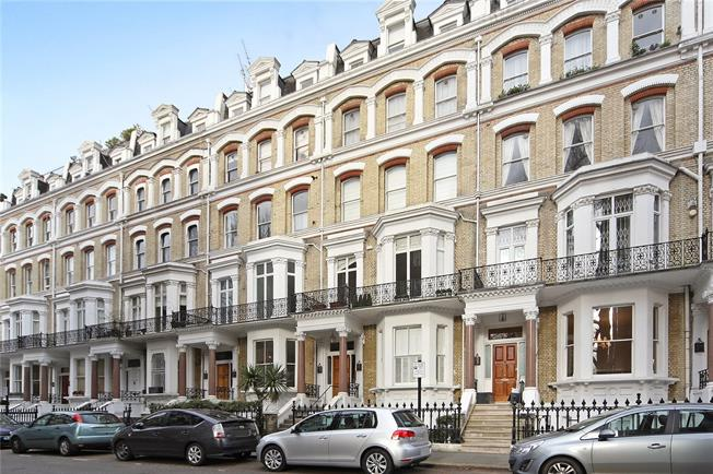Asking Price £850,000, 1 Bedroom Flat For Sale in London, W8