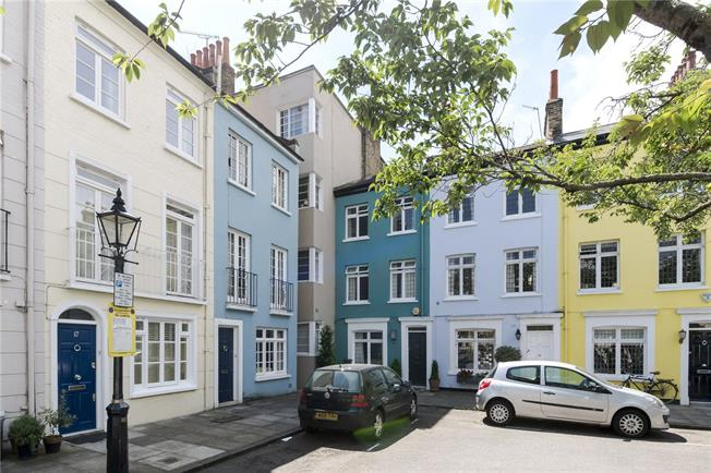 Asking Price £650,000, 1 Bedroom Flat For Sale in London, W8