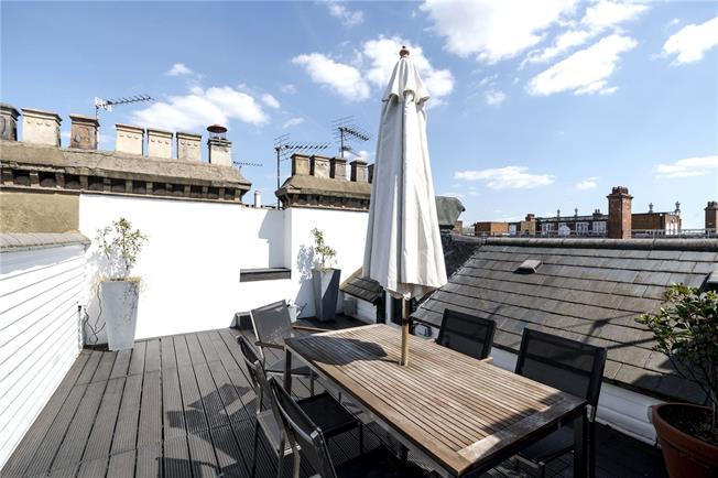 Asking Price £3,350,000, 2 Bedroom Flat For Sale in London, W8