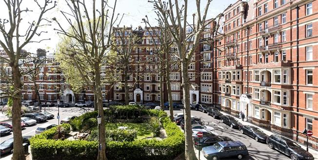 Asking Price £2,950,000, 3 Bedroom Flat For Sale in London, W8