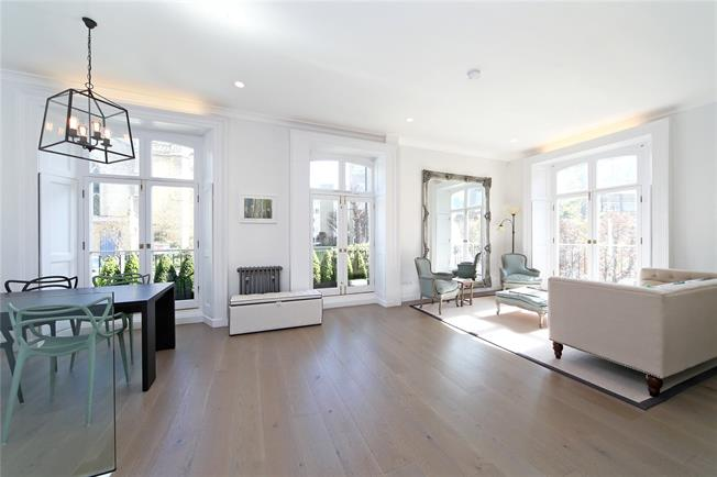 Asking Price £1,750,000, 3 Bedroom Flat For Sale in London, W14