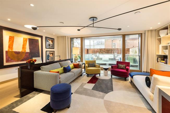 Asking Price £6,250,000, 3 Bedroom Flat For Sale in London, W8