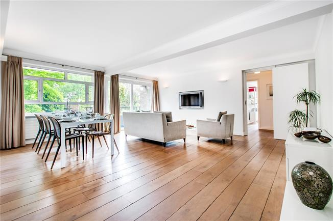 Asking Price £1,600,000, 2 Bedroom Flat For Sale in London, W14