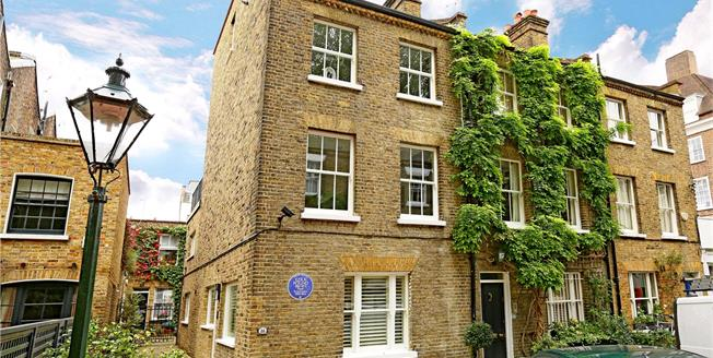 Asking Price £3,995,000, 3 Bedroom Semi Detached House For Sale in London, W8