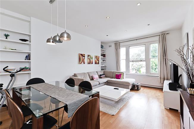 Asking Price £849,950, 2 Bedroom Flat For Sale in London, W14