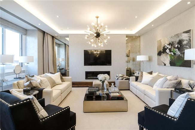 Asking Price £4,550,000, 3 Bedroom Flat For Sale in London, W8