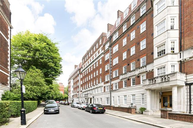 Asking Price £2,850,000, 3 Bedroom Flat For Sale in London, W8
