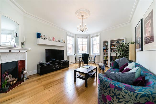 Asking Price £1,175,000, 2 Bedroom Flat For Sale in London, W8