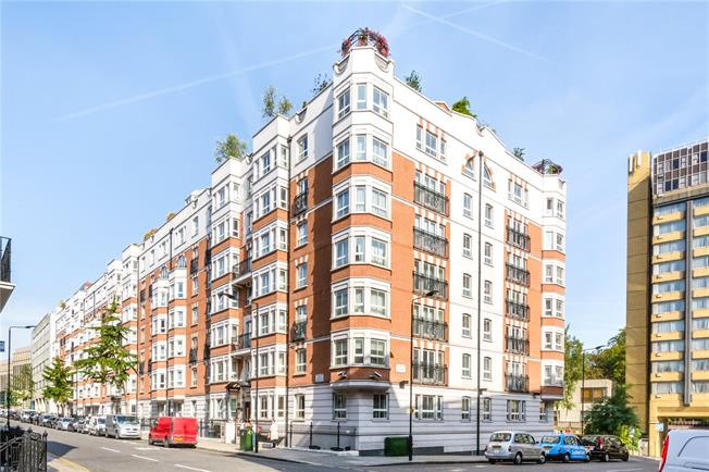 Asking Price £1,299,999, 2 Bedroom Flat For Sale in London, W8