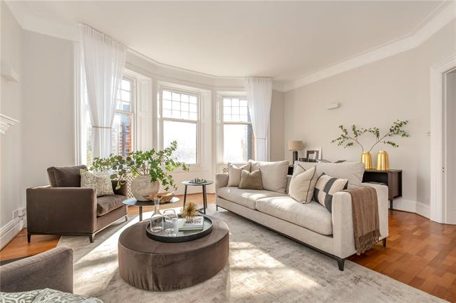 Asking Price £3,250,000, 4 Bedroom Flat For Sale in London, W8