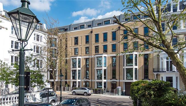 Asking Price £12,950,000, 4 Bedroom Flat For Sale in London, W8