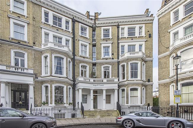 Asking Price £595,000, 1 Bedroom Flat For Sale in London, W8