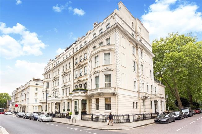 Asking Price £1,250,000, 2 Bedroom Flat For Sale in London, SW7