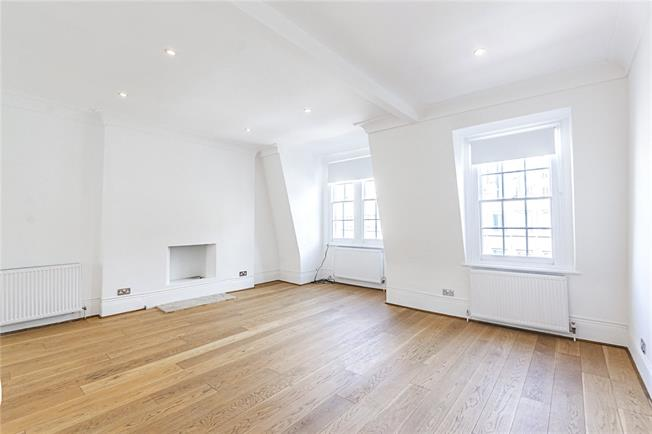 Asking Price £1,395,000, 3 Bedroom Flat For Sale in London, W8