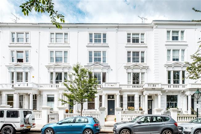 Asking Price £3,350,000, 4 Bedroom Flat For Sale in London, W8
