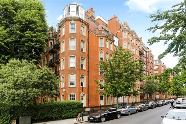 Asking Price £2,500,000, 4 Bedroom Flat For Sale in London, W14