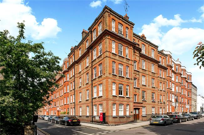 Asking Price £1,265,000, 2 Bedroom Flat For Sale in London, W8