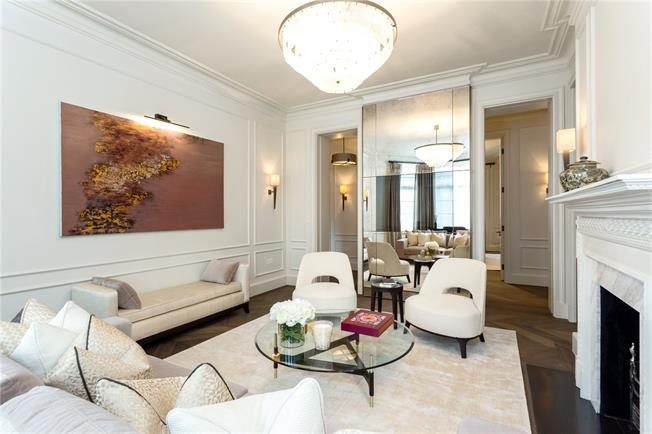 Asking Price £3,850,000, 3 Bedroom Flat For Sale in London, W8