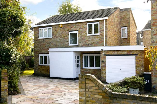 Asking Price £999,950, 3 Bedroom Detached House For Sale in Kingston upon Thames, KT1
