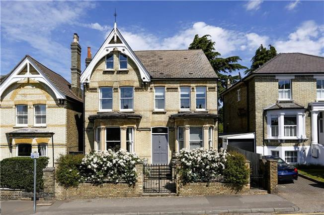 Guide Price £2,150,000, 8 Bedroom Detached House For Sale in Kingston upon Thames, KT2