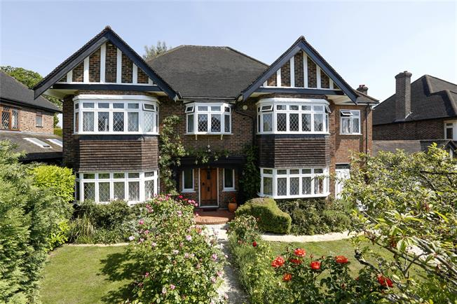 Asking Price £1,699,950, 5 Bedroom Detached House For Sale in Surbiton, KT5