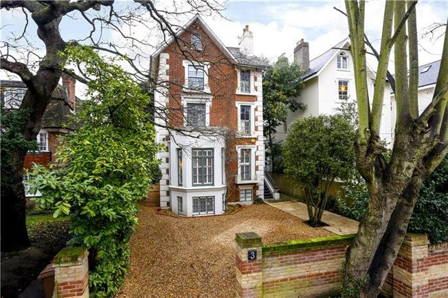 Asking Price £2,750,000, 6 Bedroom Detached House For Sale in Surbiton, KT6