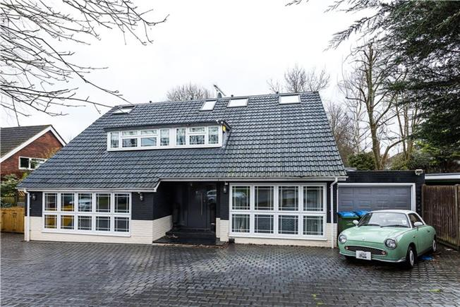 Guide Price £1,395,000, 6 Bedroom Detached House For Sale in Long Ditton, KT6