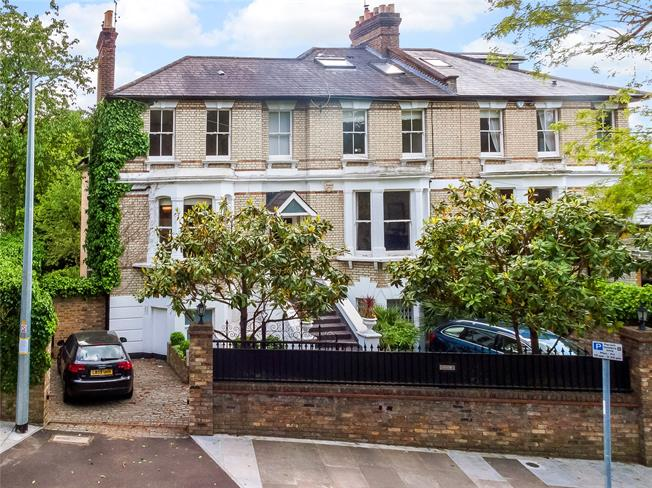 Asking Price £1,995,000, 5 Bedroom Semi Detached House For Sale in Kingston upon Thames, KT2