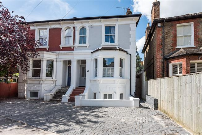 Asking Price £1,199,950, 5 Bedroom Semi Detached House For Sale in Kingston upon Thames, KT1