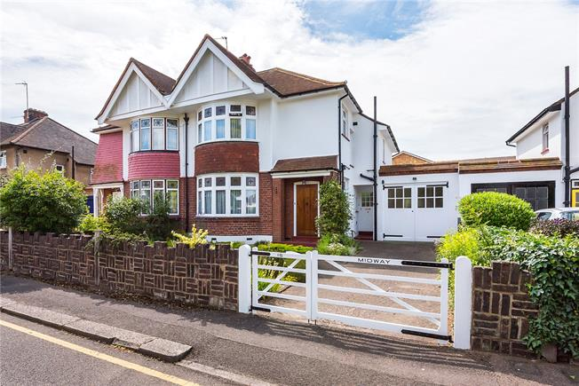 Guide Price £899,950, 3 Bedroom Semi Detached House For Sale in Kingston upon Thames, KT1