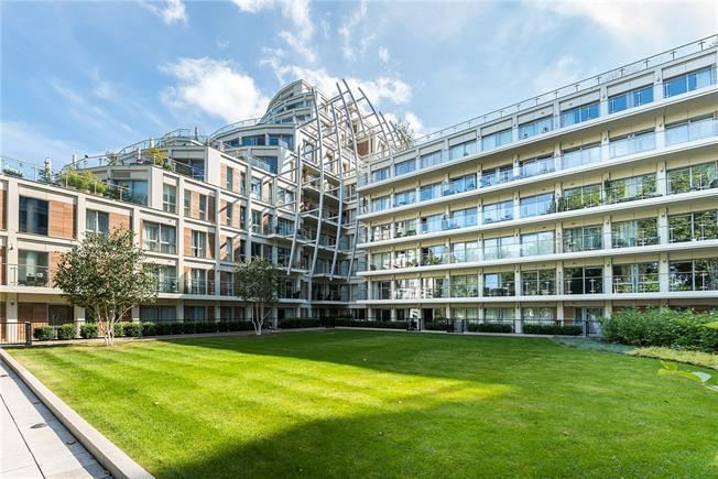 Asking Price £625,000, 2 Bedroom Flat For Sale in Kingston upon Thames, KT2
