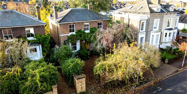 Asking Price £1,950,000, 5 Bedroom Detached House For Sale in Surbiton, KT6