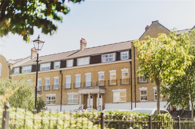 Asking Price £1,250,000, 4 Bedroom Terraced House For Sale in Long Ditton, KT6
