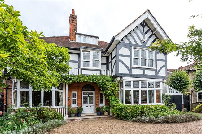 Asking Price £1,995,000, 5 Bedroom Detached House For Sale in Surbiton, KT5
