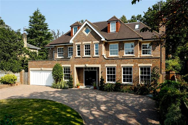 Asking Price £2,695,000, 6 Bedroom Detached House For Sale in Long Ditton, KT6