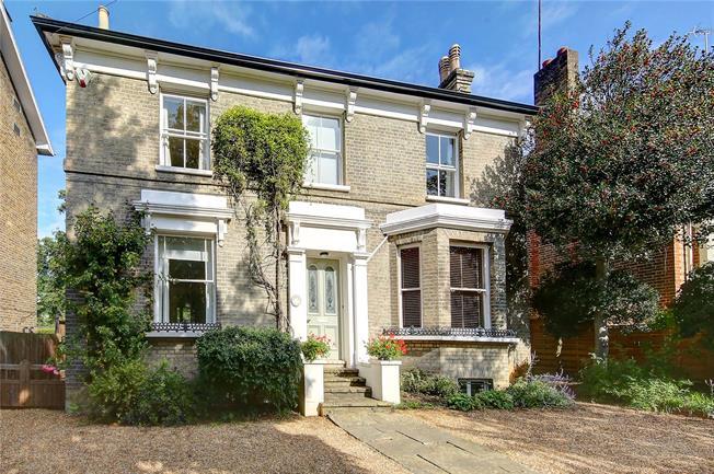 Asking Price £2,195,000, 4 Bedroom Detached House For Sale in Kingston upon Thames, KT2