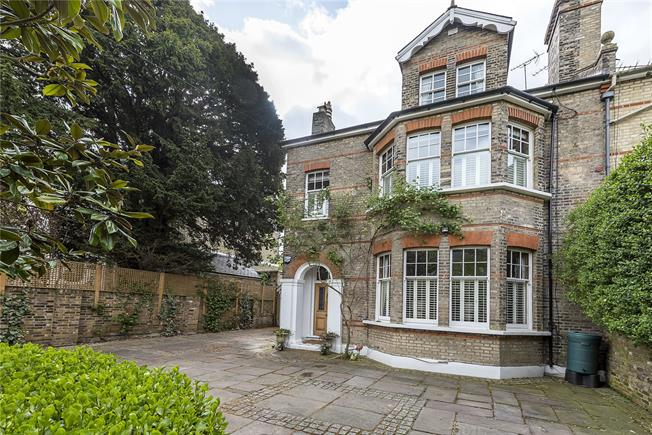 Guide Price £2,750,000, 6 Bedroom Semi Detached House For Sale in Kingston upon Thames, KT2
