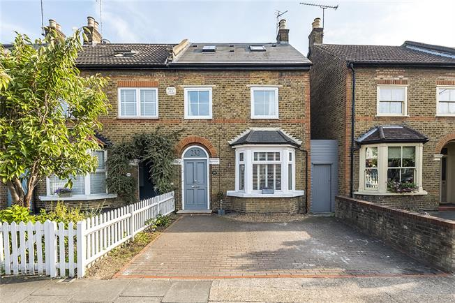 Asking Price £950,000, 4 Bedroom Semi Detached House For Sale in Kingston upon Thames, KT2