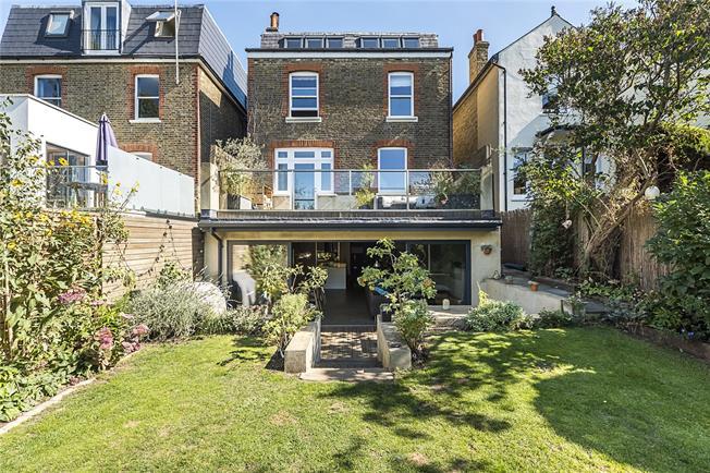 Asking Price £1,750,000, 5 Bedroom Detached House For Sale in Kingston upon Thames, KT2