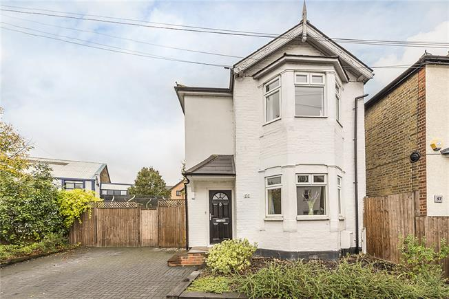 Asking Price £750,000, 3 Bedroom Detached House For Sale in Kingston upon Thames, KT1