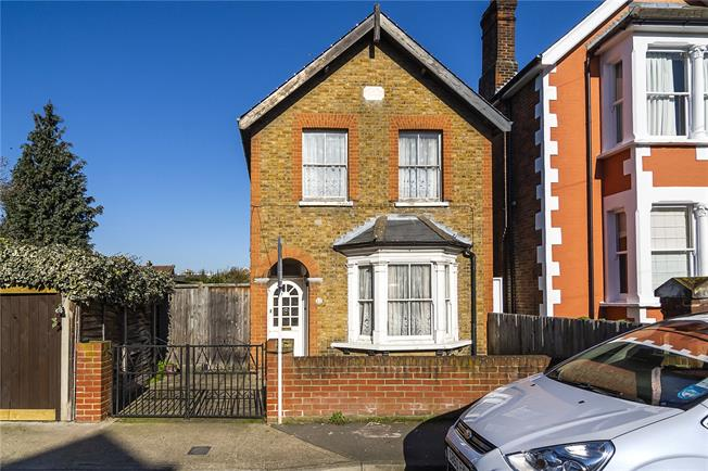Asking Price £785,000, 3 Bedroom Detached House For Sale in Kingston upon Thames, KT1