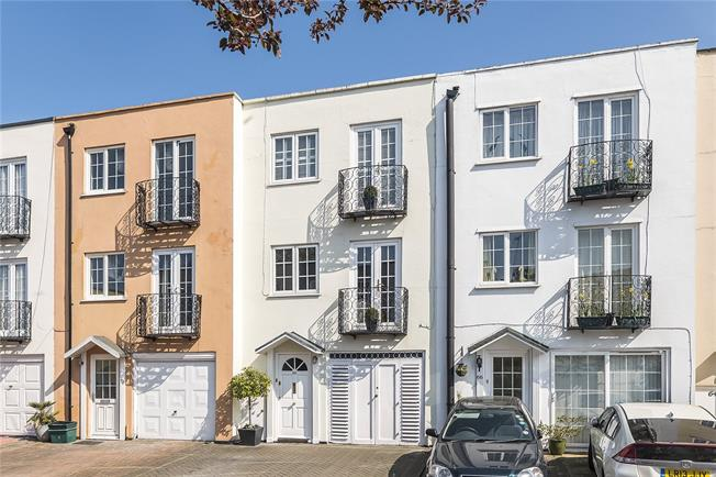 Asking Price £800,000, 4 Bedroom Terraced House For Sale in Kingston upon Thames, KT2