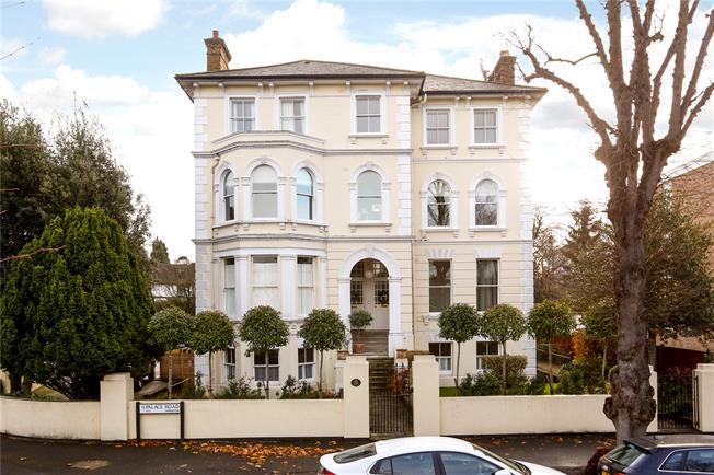 Asking Price £700,000, 3 Bedroom Flat For Sale in Kingston upon Thames, KT1