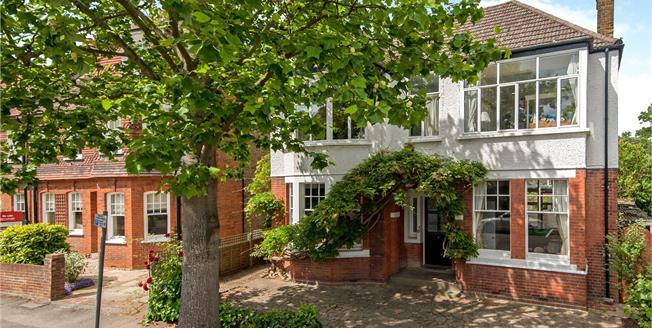 Asking Price £1,795,000, 5 Bedroom Detached House For Sale in Kingston upon Thames, KT1