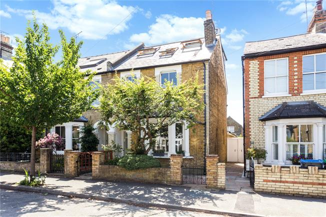 Asking Price £1,100,000, 4 Bedroom Semi Detached House For Sale in Kingston upon Thames, KT2