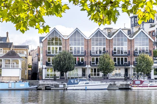 Asking Price £1,999,950, 4 Bedroom Terraced House For Sale in Kingston upon Thames, KT1